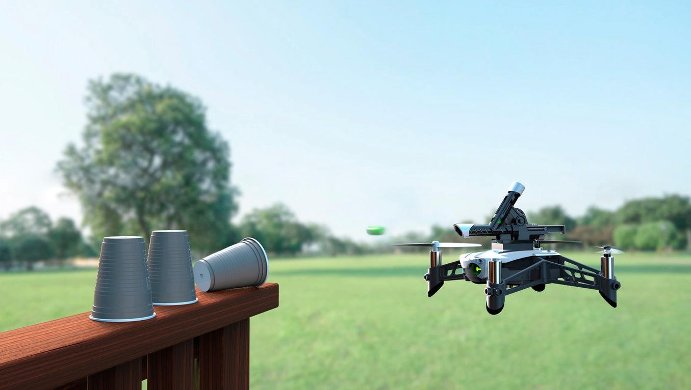 Parrot Mambo, el drone que pone a prueba tus habilidades y puntería Foto